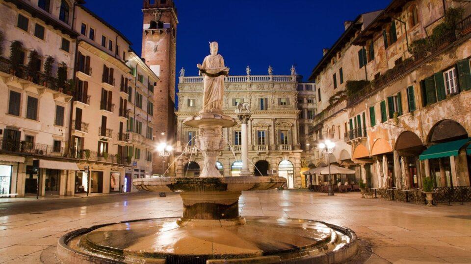Cosa vedere a Verona: Piazza delle Erbe